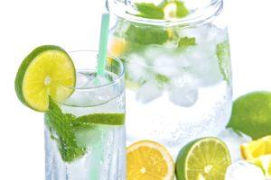 co pić w trakcie upałów